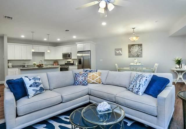 2 Longwood Lane #205, Hanover, MA 02339 (MLS #72775609) :: Cosmopolitan Real Estate Inc.