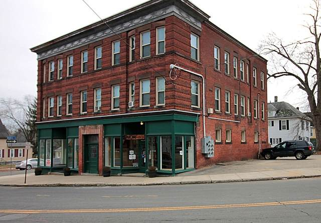 226-230 Sargeant St, Holyoke, MA 01040 (MLS #72775901) :: Welchman Real Estate Group