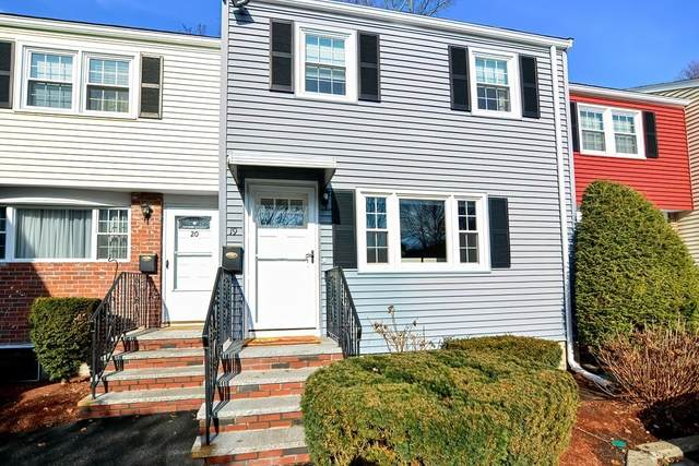98 Cedar St #19, Wakefield, MA 01880 (MLS #72776055) :: The Duffy Home Selling Team