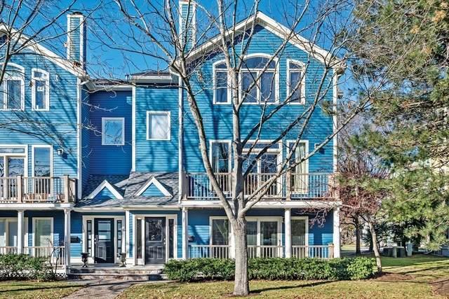 1581 Centre St #3, Newton, MA 02461 (MLS #72776139) :: Westcott Properties
