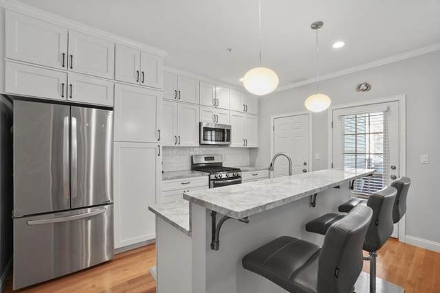 242 W 5Th St #3, Boston, MA 02127 (MLS #72777034) :: Anytime Realty