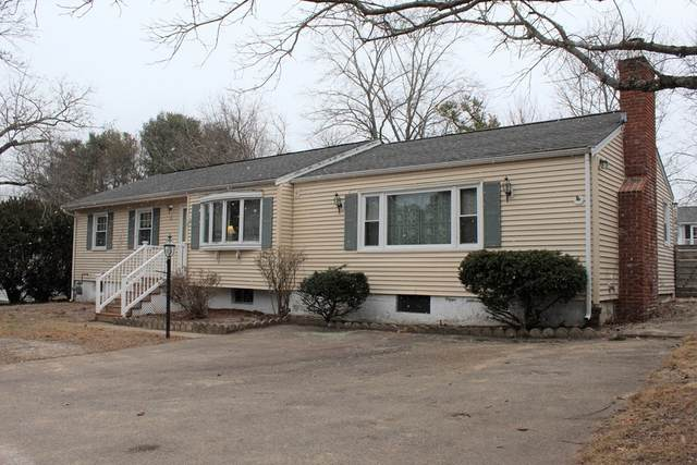 4 Carol Ln, Medway, MA 02053 (MLS #72777441) :: Spectrum Real Estate Consultants