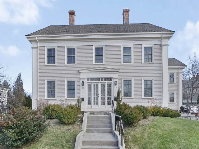 45 High St #45, Newton, MA 02464 (MLS #72778141) :: Welchman Real Estate Group