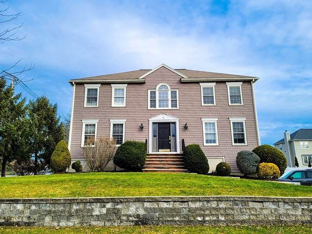 2 Rose Farm Lane, Woburn, MA 01801 (MLS #72778307) :: Cosmopolitan Real Estate Inc.