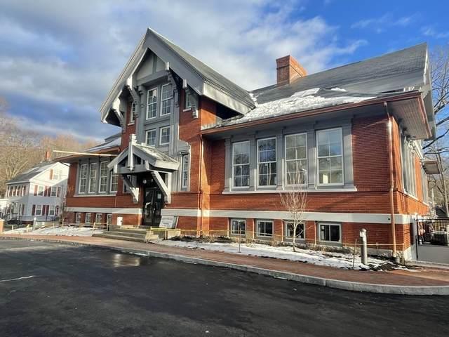 10 Congress #101, Amesbury, MA 01913 (MLS #72778654) :: Boston Area Home Click