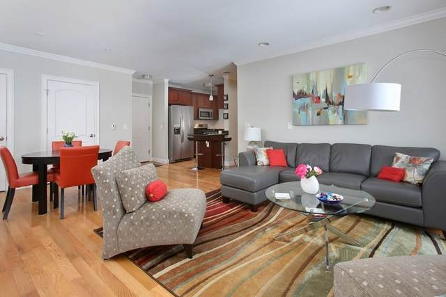 990 Vfw Pkwy #302, Boston, MA 02132 (MLS #72786576) :: The Duffy Home Selling Team