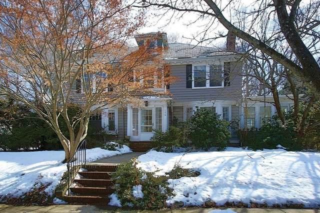 136 Willard Rd, Brookline, MA 02445 (MLS #72789914) :: The Gillach Group