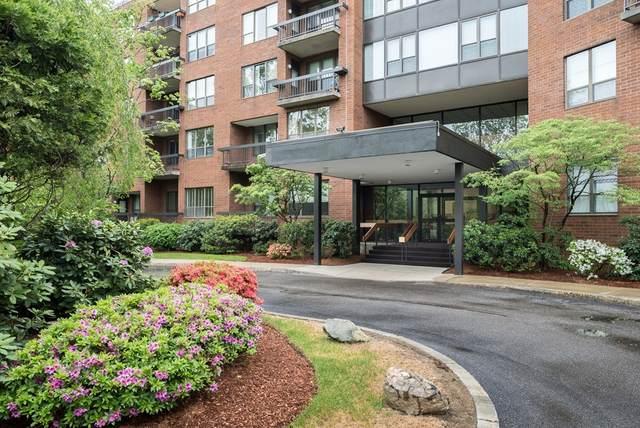 210 Nahanton St #104, Newton, MA 02459 (MLS #72791081) :: Westcott Properties