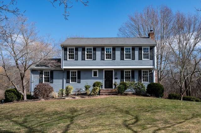 10 Village Lane, Hingham, MA 02043 (MLS #72793000) :: Anytime Realty