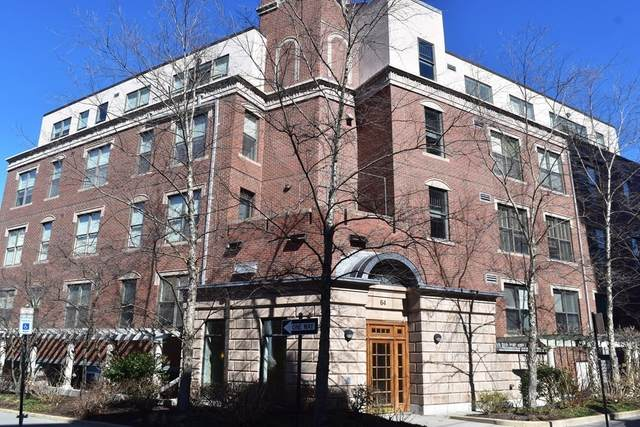 64 Sewall Ave #202, Brookline, MA 02446 (MLS #72793241) :: The Gillach Group
