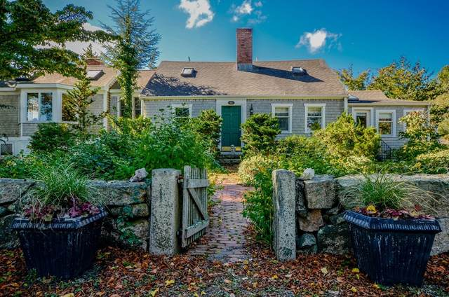 62 Water Street, Marion, MA 02738 (MLS #72801666) :: Welchman Real Estate Group
