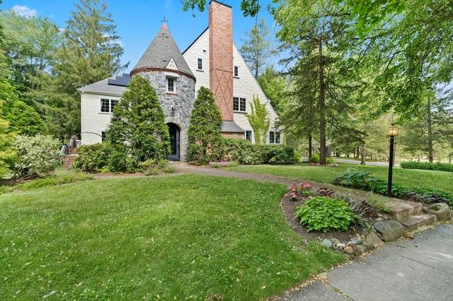 20 Meadowbrook Road, Newton, MA 02459 (MLS #72802939) :: Welchman Real Estate Group