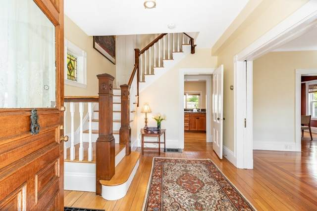 9 Maple Park, Newton, MA 02459 (MLS #72807836) :: DNA Realty Group
