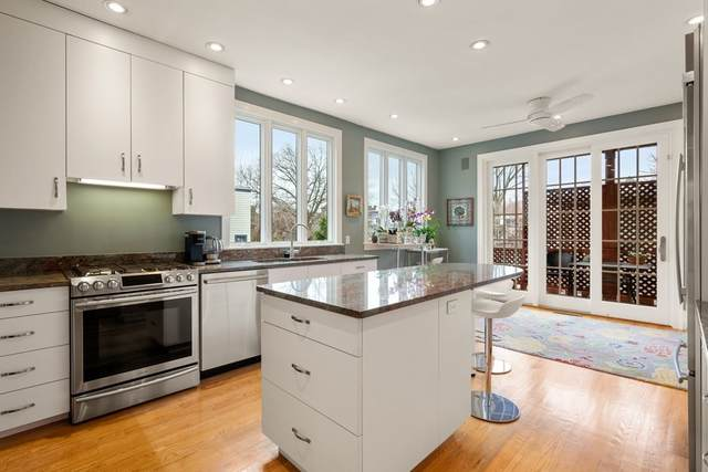 34 Davis Ave #1, Brookline, MA 02445 (MLS #72809339) :: Welchman Real Estate Group