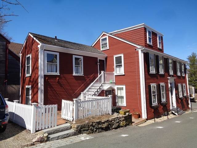 1 Mason St #1, Marblehead, MA 01945 (MLS #72814393) :: Dot Collection at Access
