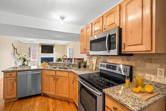 7 Conant Rd #7, Winchester, MA 01890 (MLS #72816690) :: Cape Cod and Islands Beach Properties