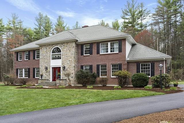 300 Robinson Rd, Boxborough, MA 01719 (MLS #72818537) :: Welchman Real Estate Group
