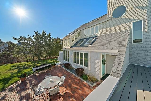 18 Bay Ave, Duxbury, MA 02332 (MLS #72821916) :: Team Roso-RE/MAX Vantage