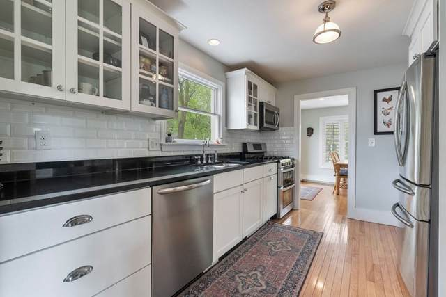 277 Weston Rd, Wellesley, MA 02482 (MLS #72827095) :: Boston Area Home Click
