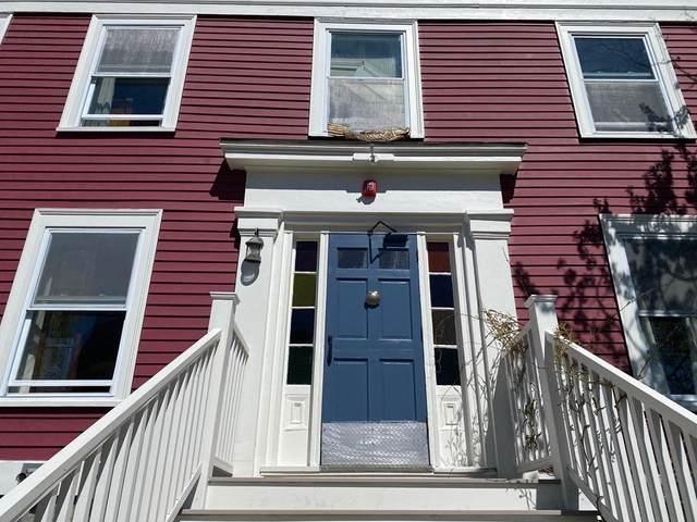 18 Watson St, Marblehead, MA 01945 (MLS #72828736) :: Kinlin Grover Real Estate