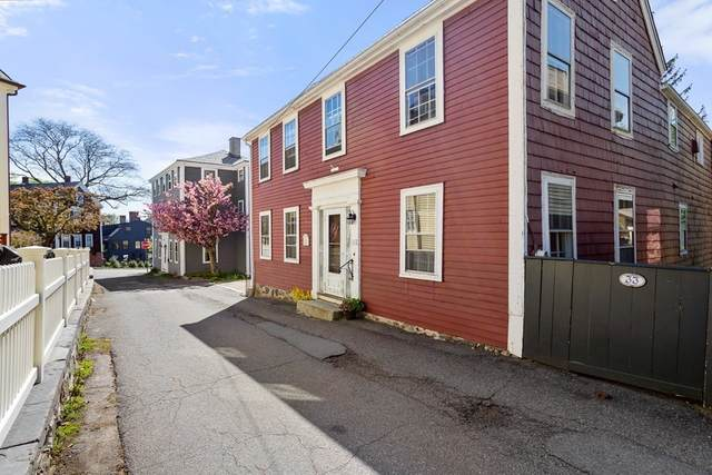 35 Harris St, Marblehead, MA 01945 (MLS #72829581) :: Welchman Real Estate Group
