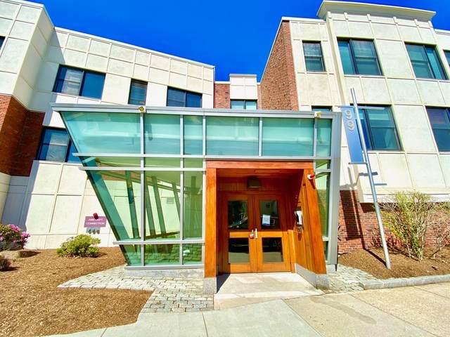 99 Chestnut Hill #302, Boston, MA 02315 (MLS #72830332) :: Boston Area Home Click