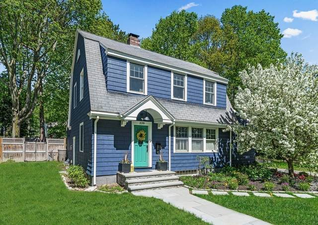 229 Weston Rd, Wellesley, MA 02482 (MLS #72830600) :: The Gillach Group