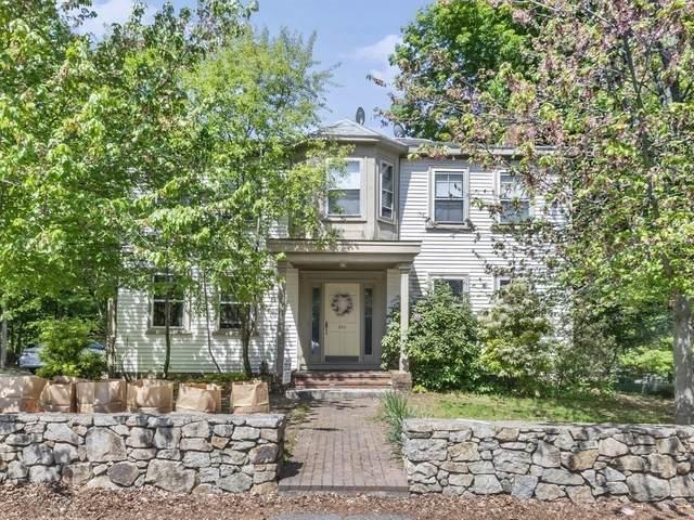 214 North Franklin Street, Holbrook, MA 02343 (MLS #72836737) :: Welchman Real Estate Group