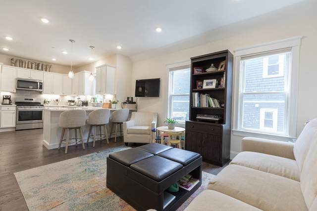 7 Russell Rd. #1, Somerville, MA 02144 (MLS #72840690) :: Conway Cityside