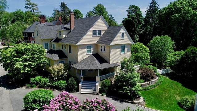 29 N Russell St, Milton, MA 02186 (MLS #72841101) :: Chart House Realtors