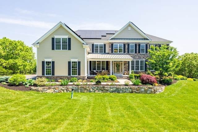 19 Governor Prence Way, Holliston, MA 01746 (MLS #72842070) :: Spectrum Real Estate Consultants