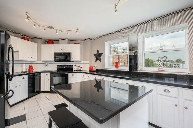9 Park Ave #317, Hull, MA 02045 (MLS #72843301) :: The Duffy Home Selling Team