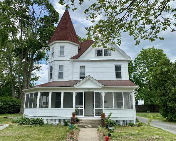 39 Fairfield Ave, Holyoke, MA 01040 (MLS #72843649) :: Conway Cityside