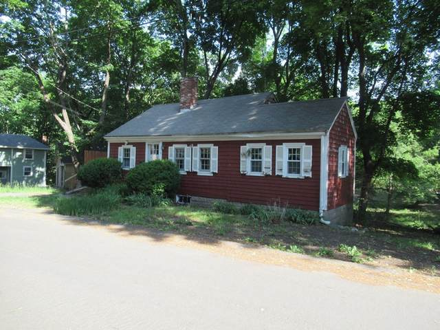 7 Lewis Court, Hingham, MA 02043 (MLS #72845984) :: The Ponte Group