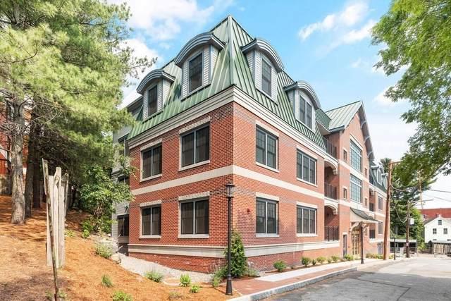40 Elmwood Avenue #11, Winchester, MA 01890 (MLS #72846476) :: EXIT Realty