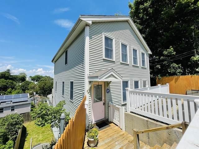 73 Montclair Ave, Waltham, MA 02451 (MLS #72846631) :: Spectrum Real Estate Consultants