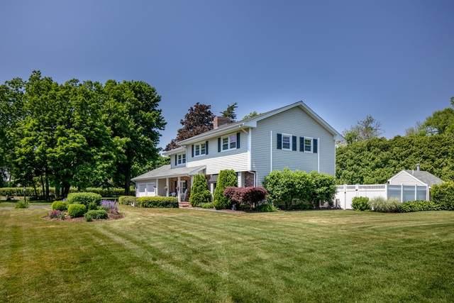 1 Ned's Point Rd, Mattapoisett, MA 02739 (MLS #72847140) :: Chart House Realtors