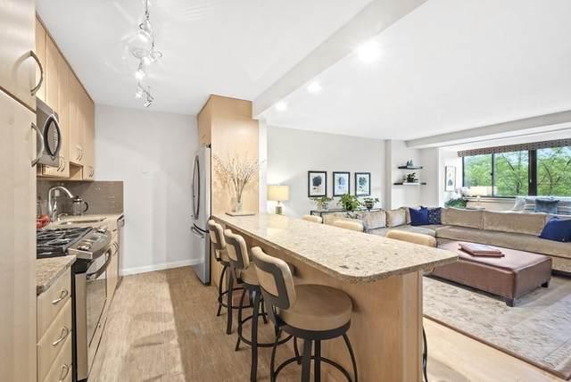 2 Hawthorne Pl 5G, Boston, MA 02114 (MLS #72849026) :: Maloney Properties Real Estate Brokerage