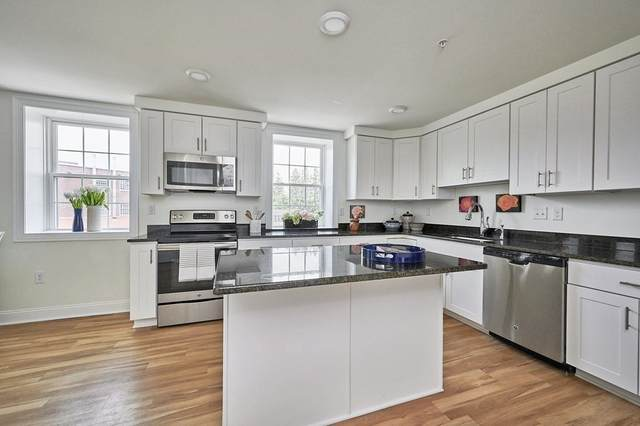 30 Village Hill Rd. #201, Northampton, MA 01060 (MLS #72849054) :: Maloney Properties Real Estate Brokerage