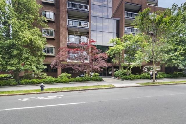 1265 Beacon #302, Brookline, MA 02446 (MLS #72850085) :: Boston Area Home Click