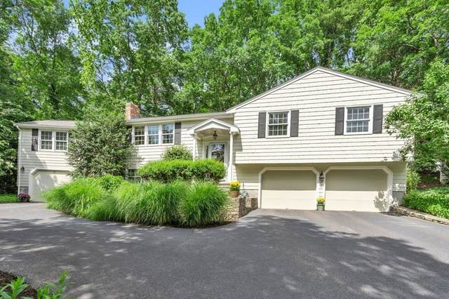 17 Stagecoach Rd, Medfield, MA 02052 (MLS #72851828) :: Conway Cityside