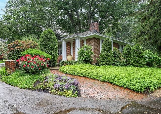 52 Woodleigh Road #1, Dedham, MA 02026 (MLS #72852820) :: Anytime Realty