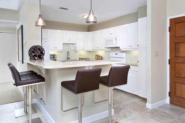 210 Nahanton St #212, Newton, MA 02459 (MLS #72860399) :: Westcott Properties