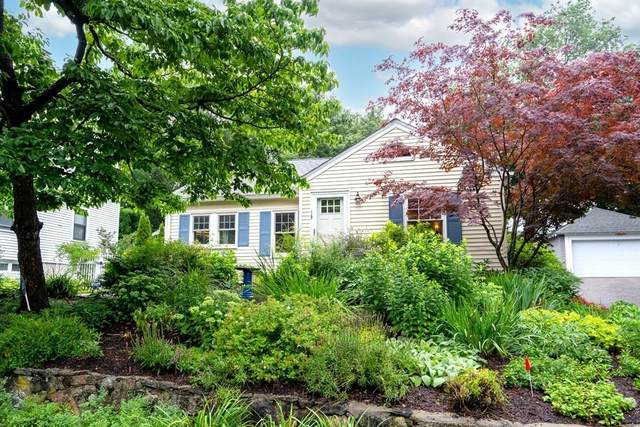 19 Hill Top Rd, Wellesley, MA 02482 (MLS #72869023) :: The Gillach Group