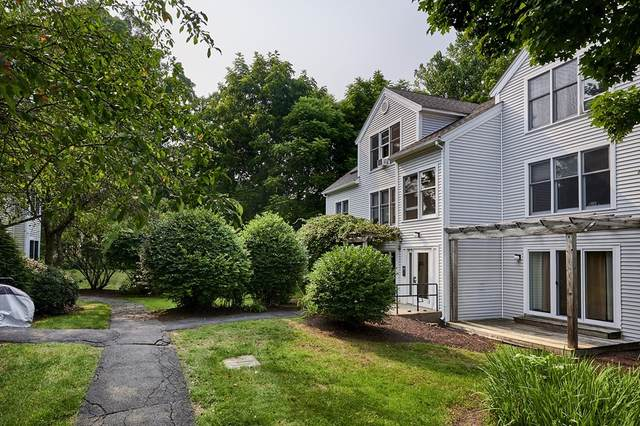 35 Salem Place #35, Amherst, MA 01002 (MLS #72869362) :: Westcott Properties