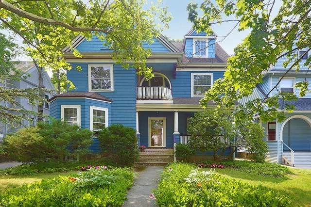 340 Lake Ave #1, Newton, MA 02461 (MLS #72869457) :: Trust Realty One