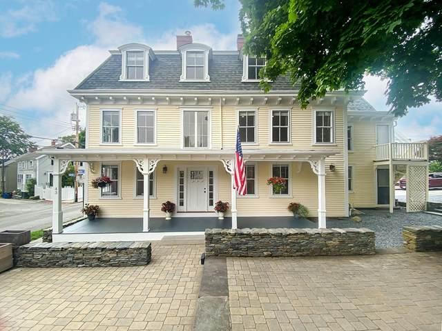 43 Farewell Street, Newport, RI 02840 (MLS #72869835) :: The Seyboth Team