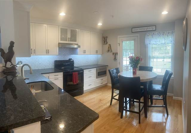 46 Boxberry Ln #46, Rockland, MA 02370 (MLS #72870443) :: Kinlin Grover Real Estate