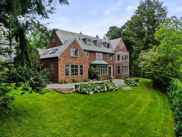 4 Channing Rd, Brookline, MA 02445 (MLS #72870577) :: Conway Cityside