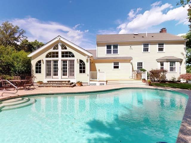 100 Worcester Lane, Waltham, MA 02451 (MLS #72870665) :: The Ponte Group